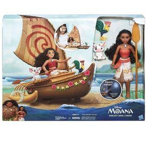 moana canoe and friends